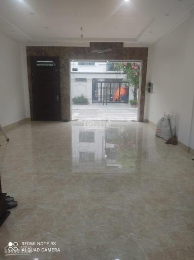 Cho thuê tòa nhà 3 tầng thông sàn, 60m2/sàn, thang máy giá 20tr/th ảnh 0