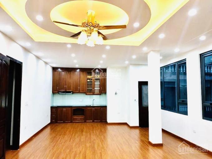 CC bán nhà P. Vũ Ngọc Phan, TT Đ. Đa, 65m2x5T, 13.5 tỷ, 3 mặt tiền KD đỉnh gara ôtô, thang máy ảnh 0
