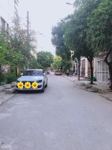 Bán nhà phố tây Văn Cao - ô tô đỗ trong nhà ảnh 0
