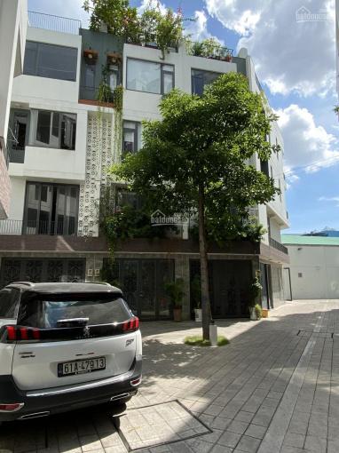 Bán nhà khu có cổng riêng, xe hơi đậu trong nhà, 1 trệt 3 lầu, 0939368118 - nhà mới, cao cấp ảnh 0