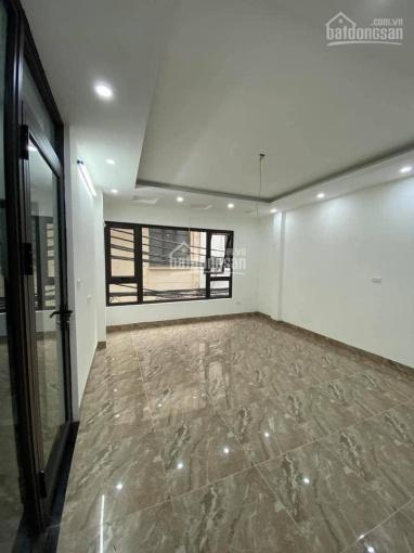 Cho thuê nhà Huỳnh Thúc Kháng, 55m2*5T, ngõ ô tô tránh nhau, có vỉa hè, nhà mới giá 17tr/th ảnh 0