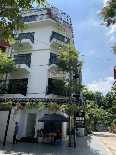 Cho thuê biệt thự 214 Nguyễn Xiển - Thanh Xuân 165m2 5T 1 tum lô góc, thông sàn, thang máy 65tr/th ảnh 0