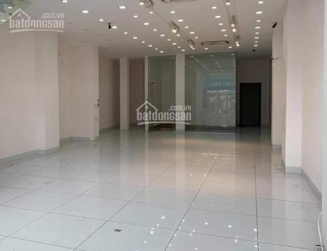 Nhà mặt phố siêu sang để ở hoặc làm văn phòng, có bãi xe hơi quay đầu ảnh 0