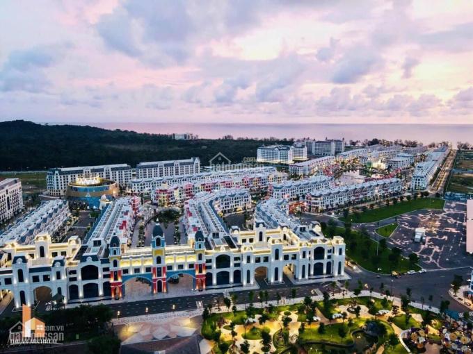 Bán cặp shop ven hồ TT Grand World Phú Quốc, căn 2MT độc quyền trên thị trường chính sách CĐT ảnh 0