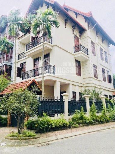 Cho thuê gấp nhà Chùa Láng, DT 55m2 x 4 tầng, 6 phòng ngủ, ô tô vào thoải mái, giá 14 triệu/tháng ảnh 0