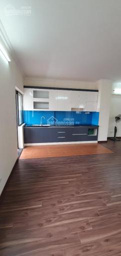 Tôi chính chủ bán căn hộ tầng 7 / 17T10 phố Nguyễn Thị Định, DT 78m2, 2PN, đã sửa chữa đẹp, căn góc