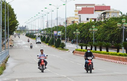 Vỡ nợ cần bán nhanh lô 180m2 mặt đường Hùng Vương gần chợ rẻ hơn thị trường 70tr, gọi 0979462568 ảnh 0