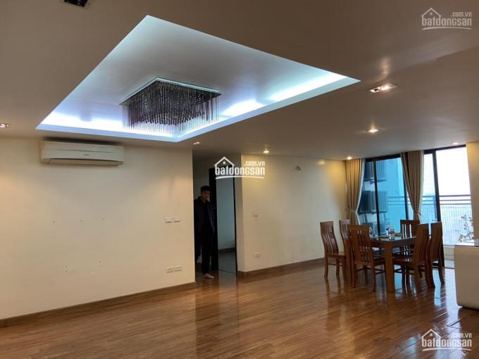 Bán căn hộ 132m2, căn góc 3PN Golden Land, 275 Nguyễn Trãi, tòa B giá 3.7tỷ. LH: 0904250***