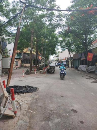 Bán nhà C4 mặt phố Đại Yên - 279 Đội Cấn đường 3 ô tô tránh hè 3m kinh doanh sầm uất DT 70m2 MT 6m ảnh 0