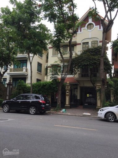 Chính chủ cho thuê biệt thự KĐT Linh Đàm, DT 253m2, 4 tầng, hướng ĐN, 6PN, có sẵn điều hòa ảnh 0