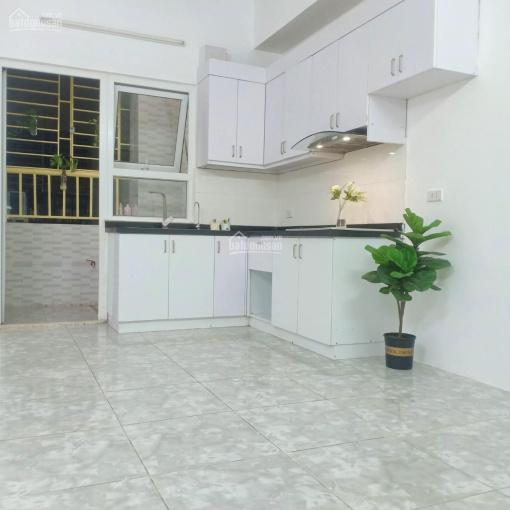 Chính chủ gửi bán căn 1 pn HH2 Linh Đàm, tầng dưới 5, nhà sạch sẽ, liên hệ 0969132989, để biết thêm ảnh 0