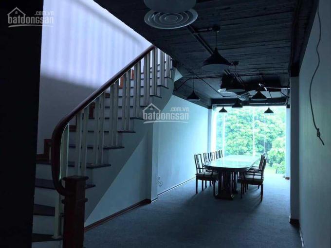 Nhà mặt phố Tôn Đức Thắng, diện tích rộng, vỉa hè thoáng, thang máy nhập khẩu, giá ưu đãi mùa dịch ảnh 0