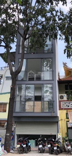 Bán gấp nhà 4 tầng mặt tiền kinh doanh đường Trường Sa, P2 Phú Nhuận, giá chỉ 8,2 tỷ ảnh 0
