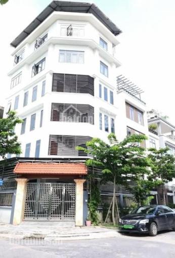 Chính chủ bán nhà mặt phố Nguyễn Khuyến, DT 106m2, MT 4,7m, 20 tỷ. LH: 098.461.8829 ảnh 0