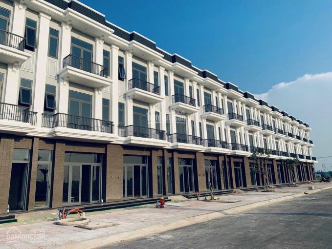 Cần bán gấp căn nhà phố mặt tiền 50m gần chợ Hưng Long Bình Chánh, giá chỉ từ 600tr ảnh 0