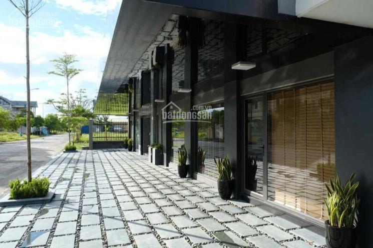 Bán khách sạn cao cấp tiêu chuẩn Nhật Bản khu vực chân Cầu Rào 2 - 644m2 - 14 phòng - 23 tỷ ảnh 0