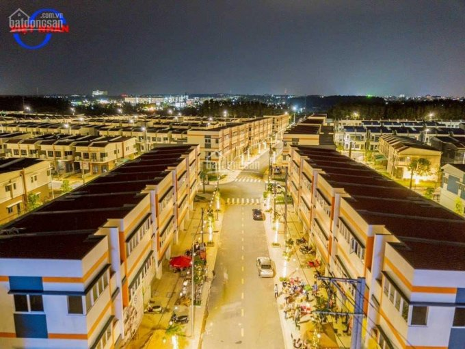 Shophouse ngay ngã tư Đại Học Việt Đức và TTTM GO ảnh 0